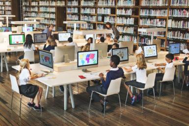 Koululaisille digitalisaatio ja internet ovat osa normaalia arkea